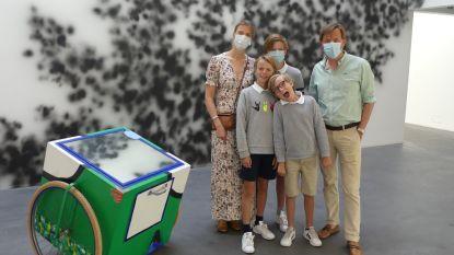 """Raveelmuseum ontvangt eerste bezoekers na lockdown: """"Eerste dag vakantie spenderen we het liefst tussen de kunstwerken"""""""
