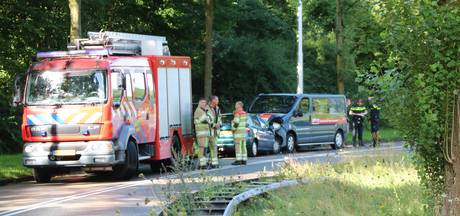 Twee gewonden bij frontale botsing op de Zielhorsterweg