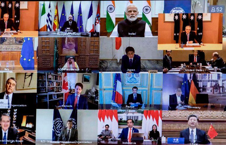 De leden van de G20 tijdens de videoconferentie, met bovenaan 2e van links Europees president Charles Michel.