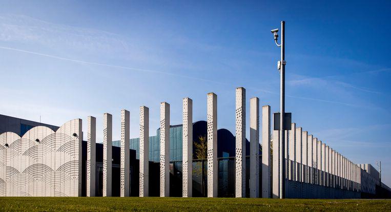 Het Justitieel Complex Schiphol, beter bekend als 'het detentiecentrum'. Beeld ANP