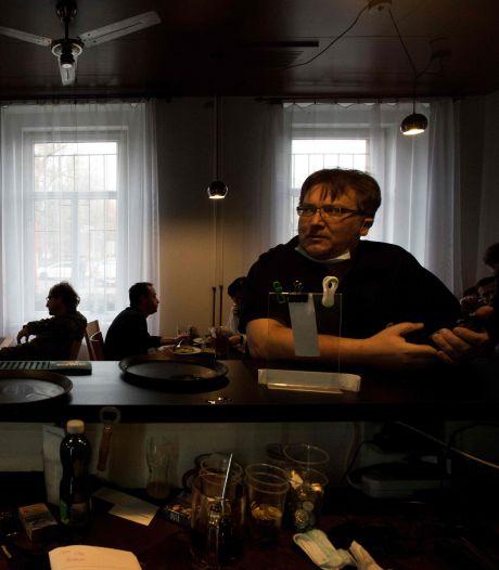 Malgré l'interdiction, des pubs tchèques ouvrent pour protester contre les restrictions