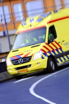 Gewonde bestuurder in de over de kop geslagen auto aangetroffen in sloot Berkhout