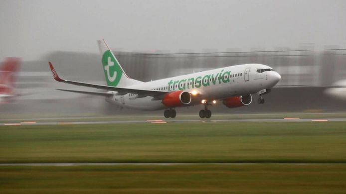 Een Boeing 737-800 van Transavia. Met dit type toestel wordt op 30 mei de belevingsvlucht uitgevoerd.