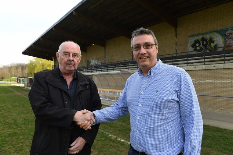 Jeugdcoördinators Léon De Wulf van Standaard Meerbeek en Peter Froidmont van Sporting Kortenberg verenigen hun spelertjes voortaan in één fusieclub.