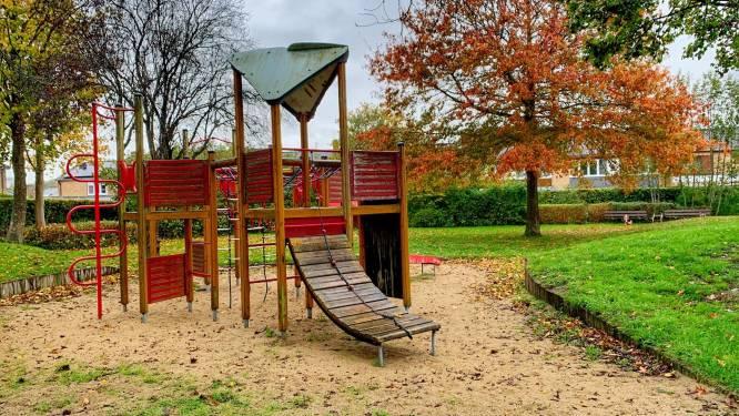 Picknickbanken en kruidentuin voor speelplein Het Binnenhof
