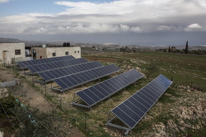 Later door Israël gesloopte zonnepanelen