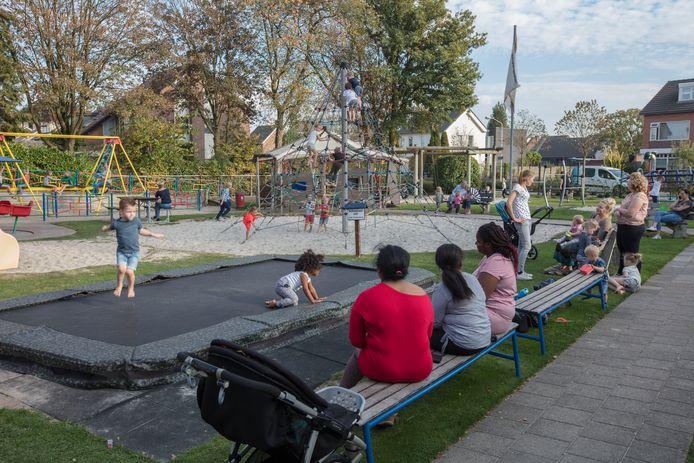 De speeltuin bij het Hofke van Marijke in Sint Jozef is een van de trekkers van het gemeenschapshuis.