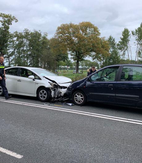 Dubbele botsing bij Loenen, automobilist als verdachte naar het politiebureau
