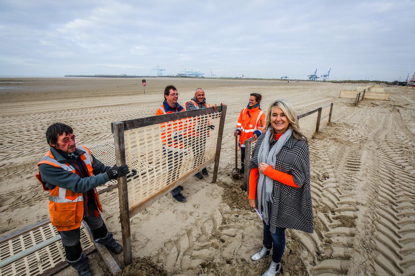 strand Zeebrugge wordt winterklaar gemaakt