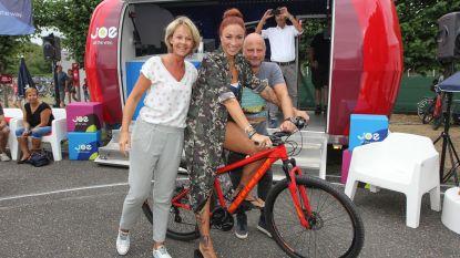 Fietsers rijden Joe Vélo-route van Natalia