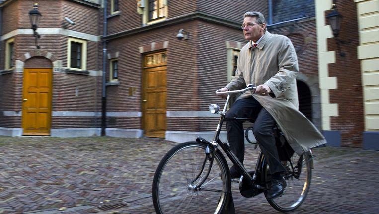 Piet-Hein Donner op de fiets. Beeld anp