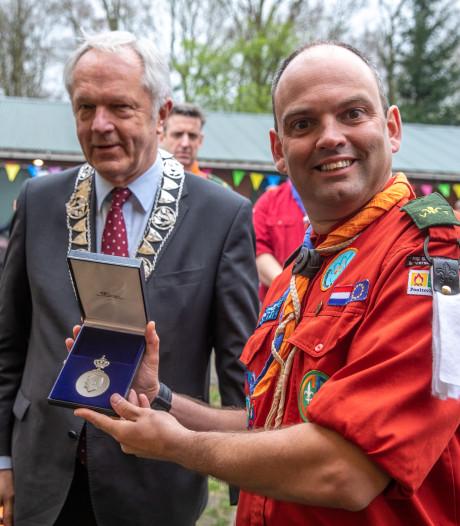 Koninklijke erepenning voor jarige scoutinggroep Zwolle