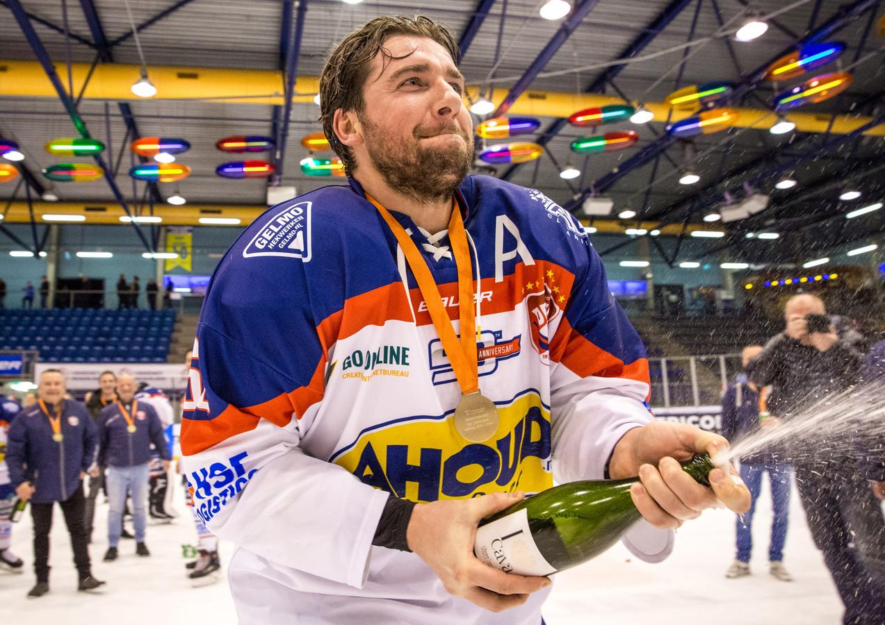 De ijshockeyers van Nijmegen Devils hebben komend seizoen weer een extra prijs om voor te strijden: de Inter Region Cup.