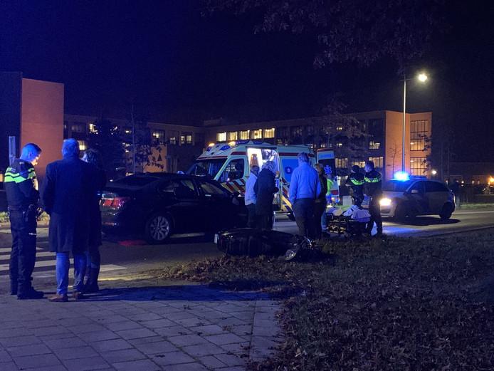 Scooterrijder gewond bij aanrijding op Europa-Allee in Kampen.