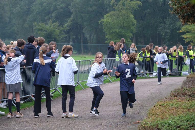De leerlingen van Maris Stella weten deze week wat doen onder de middag. De school organiseert haar eigen 'Olympische Spelen'.