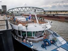 Cruiseschip van 114 meter wil tóch naar Waalkade, maar niet meer als dinerboot: 'Begrip voor commotie'