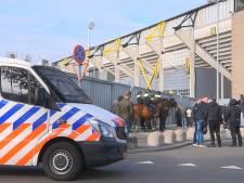 Supporters NAC en Willem II proberen elkaar te lijf te gaan