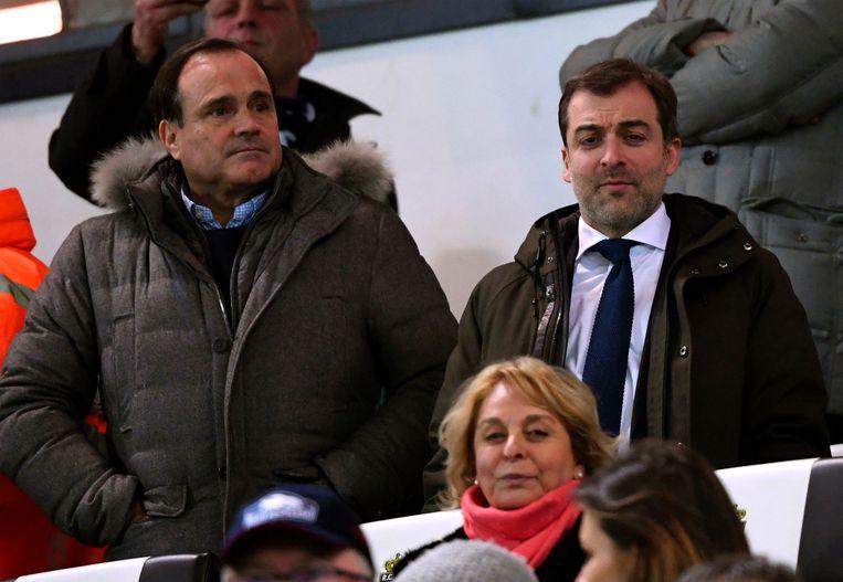 Bayat eind vorig jaar met zijn advocaatJean-Philippe Mayence in de tribunes op Charleroi.
