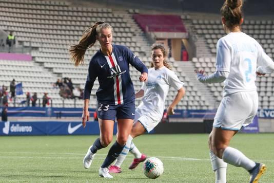 Jordyn Huitema begin dit jaar namens PSG in actie tegen Olympique Marseille.