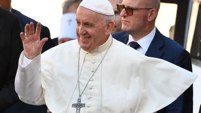Verrassing! Paus verbindt koppel in de echt in Rome