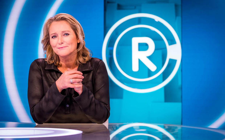 Antoinette Hertsenberg in de studio van het tv-programma Radar.