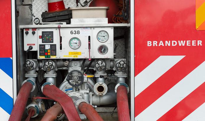 De brandweer was er op tijd bij in Brakel en kon de kleine brand bij een bedrijf aan de Weitjesweg snel blussen.