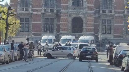 """Advocaat Sven Mary verdedigt Brusselse agenten: """"Die jongen reed hen aan, niet omgekeerd"""""""