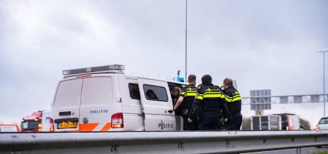 Man uit Didam zwaar mishandeld bij verkeersruzie op A1: duo vast voor poging tot doodslag