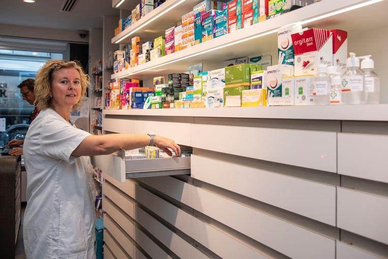 Ann Van der Cruysen ziet zelfs in haar apotheek de omzet dalen door de nieuwe verkeerssituatie.