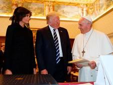 Paus praat 29 minuten met Trump
