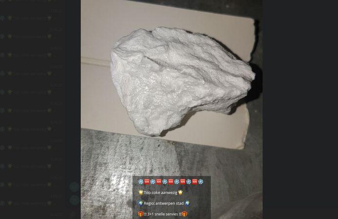 """Promobericht dat een cocaïnedealer verspreidde: """"3+1 gratis""""."""