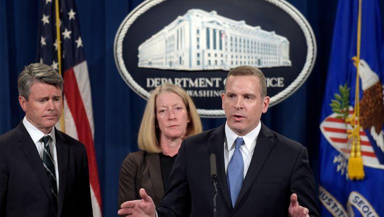 Uitvoerend directeur van de FBI Paul Abbate spreekt tijdens een persconferentie over de megahacking van Yahoo.