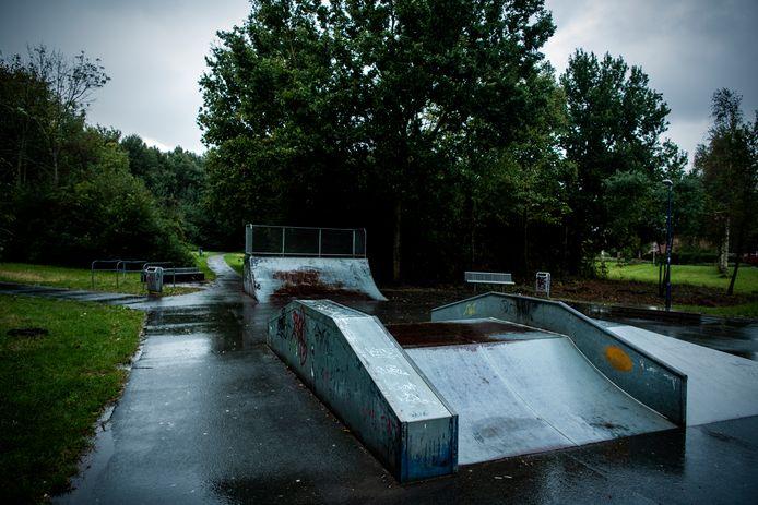 Bij het skatepark in het Seghwaertse hout in Zoetermeer zijn veel problemen, met jongeren en drugs. Ook meisjes die goedkoop drugs konden kopen, of in ruil voor seks. Foto: Frank de Roo