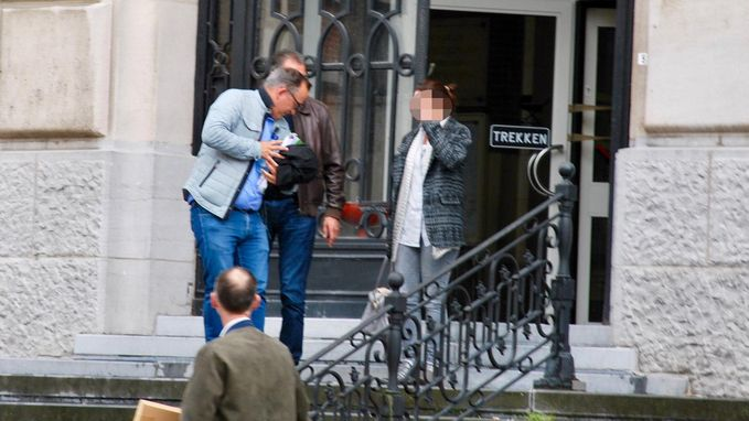 """Leerkracht besteelt dokteres: """"Ik? 37.000 euro gestolen? Ik zocht gewoon de wifi-code"""""""