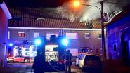 """Zolderbrand maakt huis van gezin onbewoonbaar: """"De rookmelders deden het vreemd genoeg niet"""""""