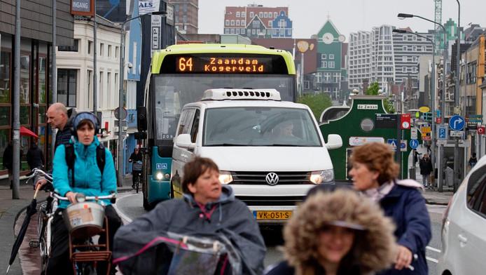 De staking treft reizigers in de regio's Zaandam en Almere die gebruikmaken van het streekvervoer van Connexxion, Keolis en EBS.