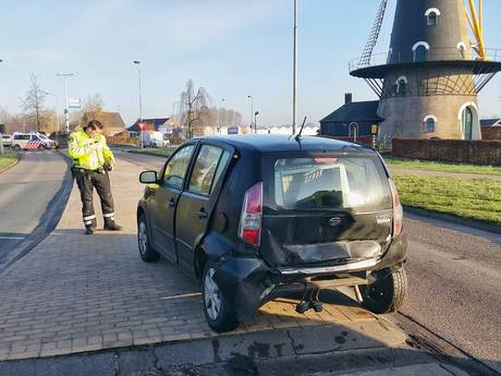 Fietsster gewond bij botsing met auto op Pannenschuurlaan Oisterwijk