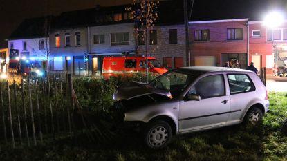 Twee gewonden bij zware aanrijding op Steenweg in Denderleeuw