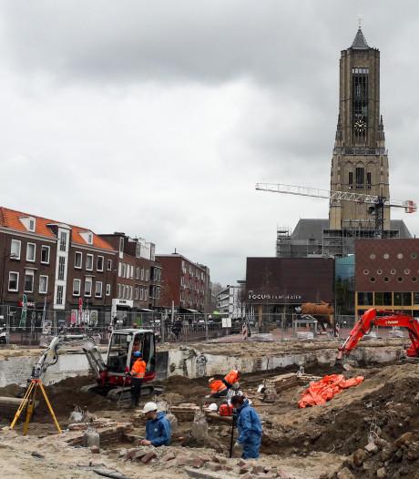 Archeologen stuiten opnieuw op skeletten in Arnhemse binnenstad