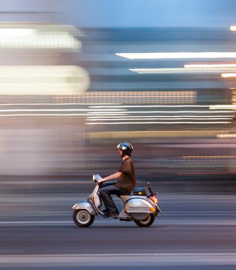 Meisje op straat beroofd van telefoon in Geldermalsen door man op scooter