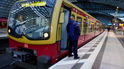 Duitse politie vindt IS-vlag naast treinspoor bij onderzoek aan beschadigde bovenleiding Berlijn