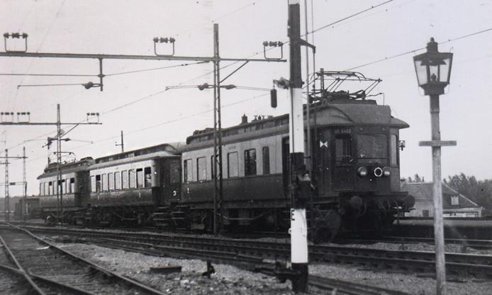 De trein pendelde tussen Rotterdam en Scheveningen.