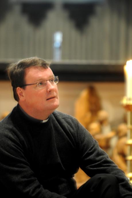 Twentse pastoor Marc Oortman leeft mee met zijn vrienden op Sri Lanka