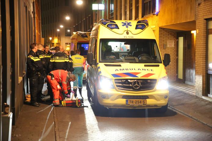 Ambulancepersoneel is lang bezig geweest met het jonge slachtoffer.
