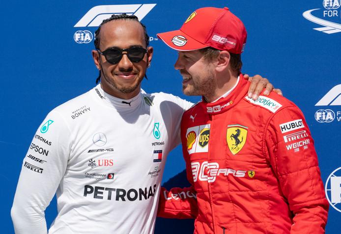 Lewis Hamilton (links) moest tijdens de kwalificatie in Montréal zijn meerdere erkennen in Sebastian Vettel.