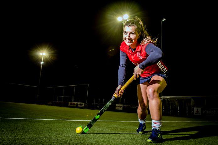 Sophie Vromans is aanvoerster van de dames 1 van hockeyclub Pelikaan in Roosendaal.