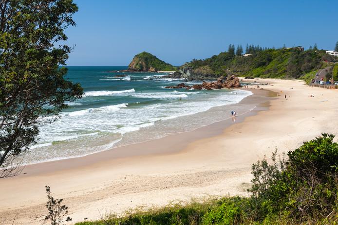 De botten werden gevonden aan een strand in Port Macquarie.