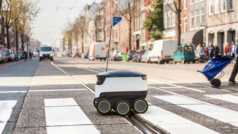 De robot bezorgt in een straal van 1 tot 1,5 kilometer rond Domino's vestigingen Beeld Domino's Pizza