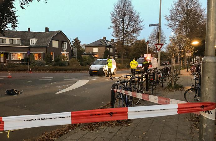 Dienst Verkeersongevallenanalyse bezig met onderzoek na het ongeval in Tiel.
