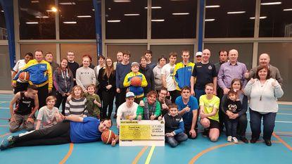 Handelsbeurscomité schenkt 1.000 euro aan sportclub Fris